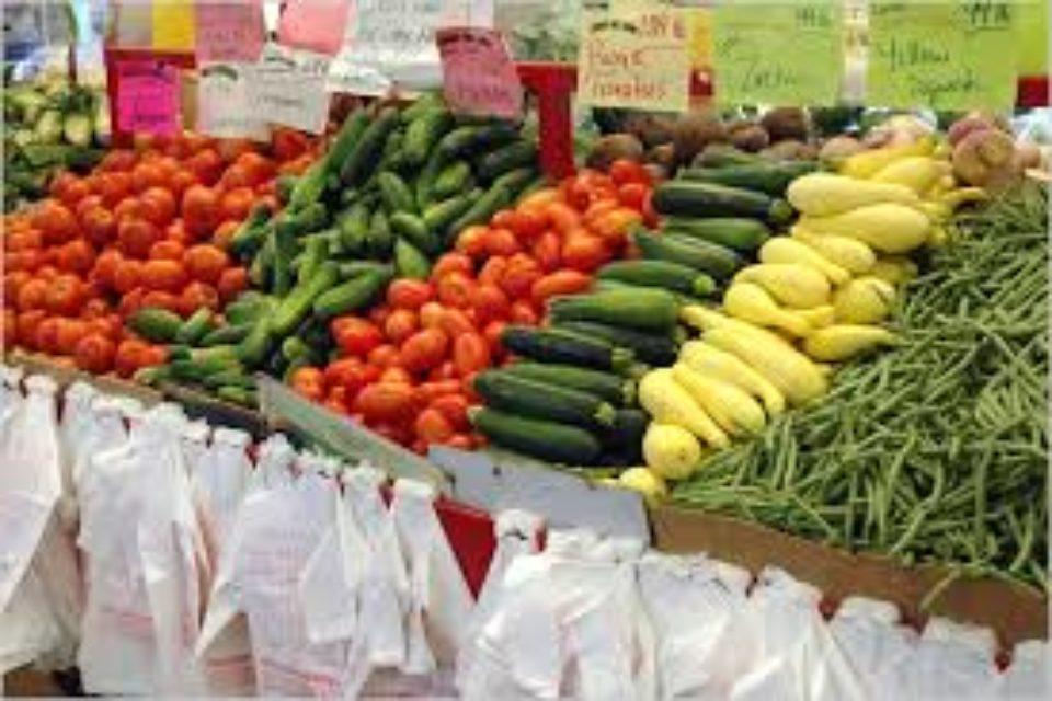 Храни от Балкана на Пролетния фермерски пазар в София